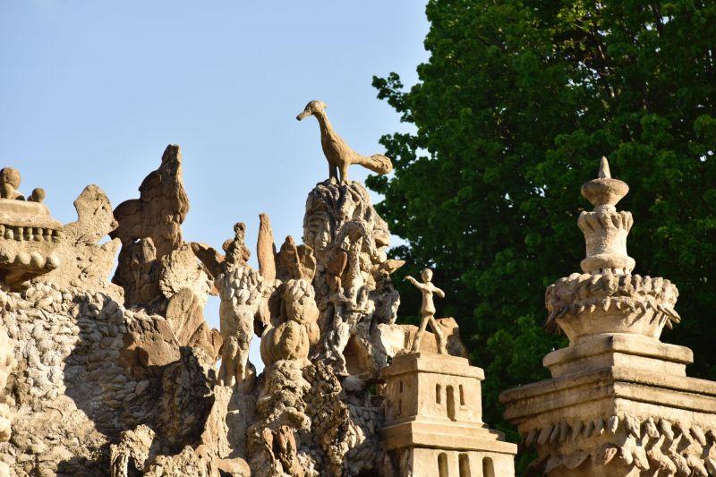 Les oiseaux: petits trésors cachés du Palais Idéal