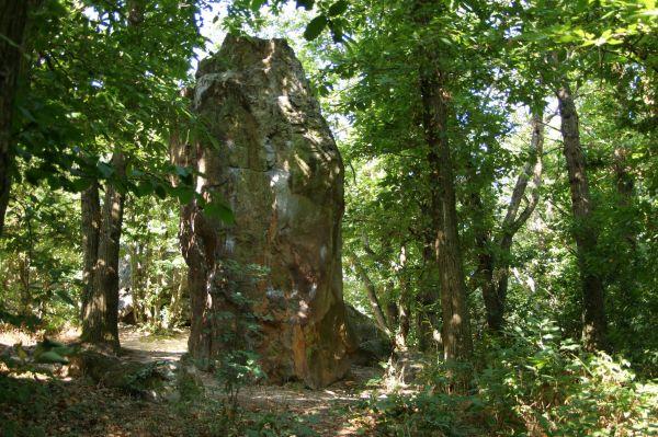 Les roches-qui-dansent : un site protégé par les fées ?