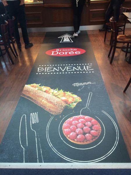 Publicité au sol pour magasins à Lyon