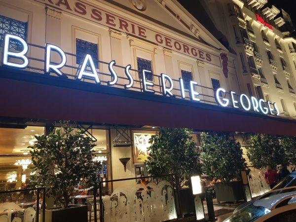 Enseigne lumineuse néon pour brasserie Lyon Perrache