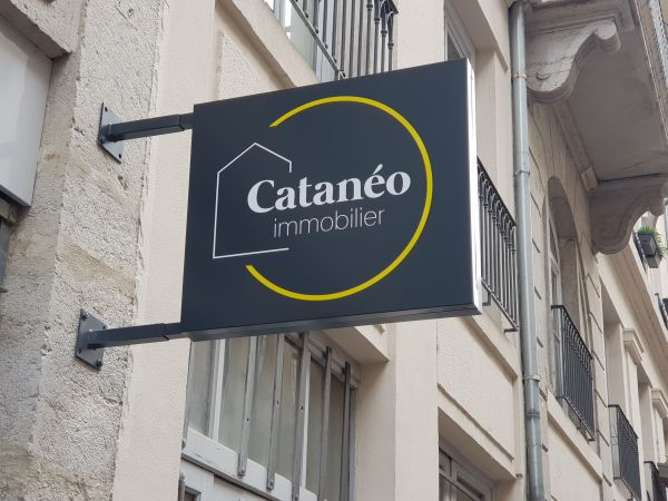 Caisson non lumineux pour une agence immobilière à Lyon