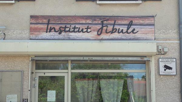 Panneau pour institut de beauté à Lyon