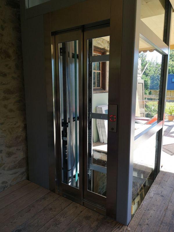 Ascenseur de maison avec pylône   | EVA ASCENSEUR