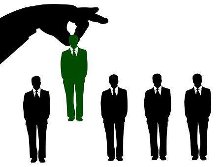 Quelles sont les formalités à respecter lors de l'embauche du premier salarié ?