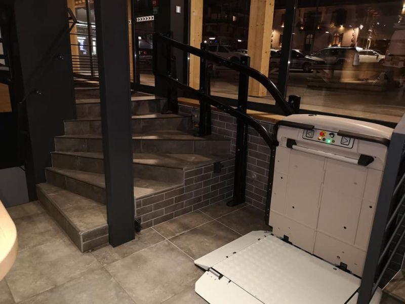 Monte-Escalier À Plate-Forme Vimec V65