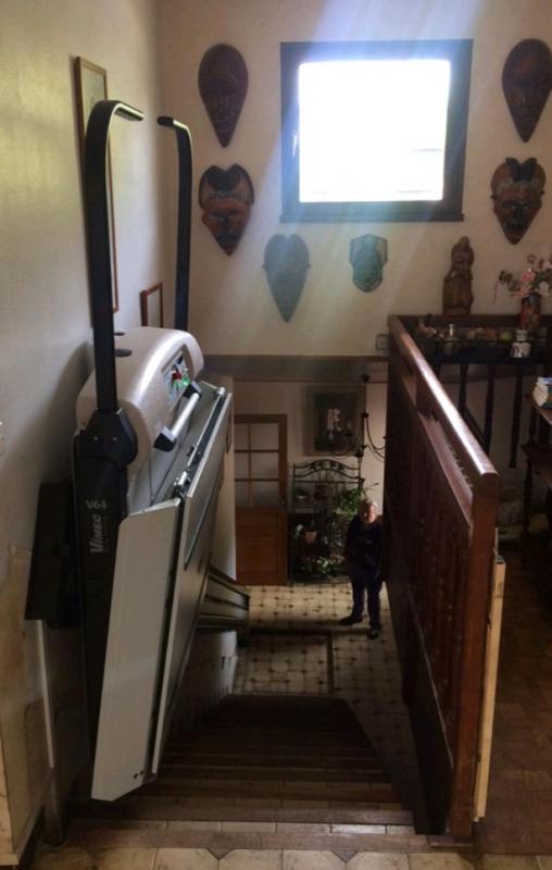 Plateforme monte escalier sur rail, maison privatif